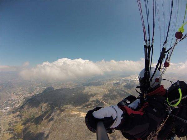 Vicente Palmero y Javier Sierra vuelan desde Cadiz a Sierra Nevada